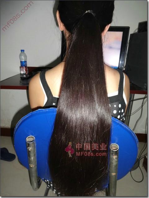 漂亮初一女生剪下自己心爱的头发-身体happy3标准女生围长风度图片