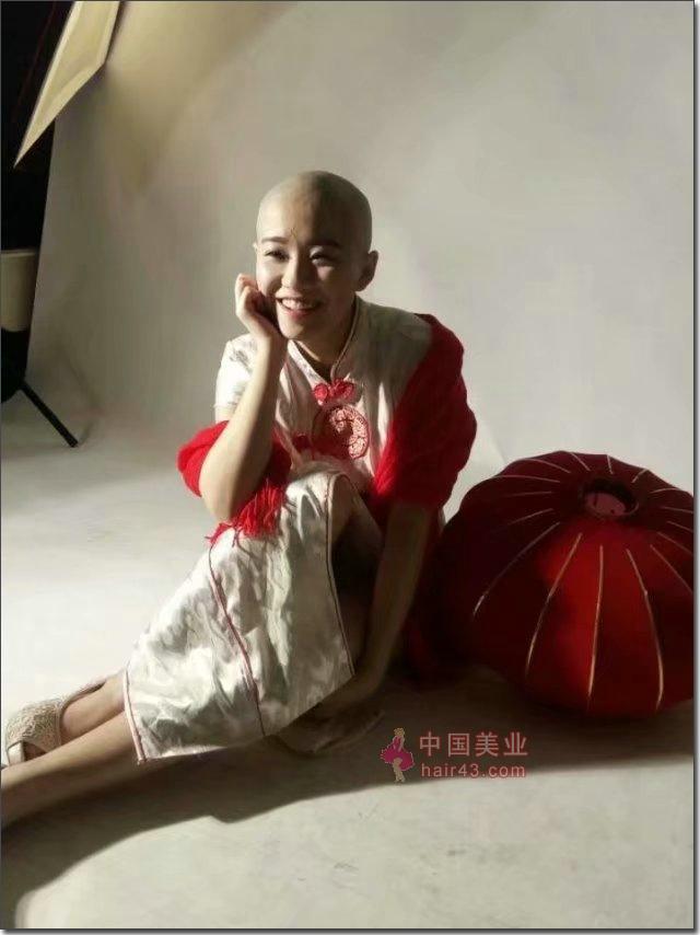 漂亮大姐图片_原来女子剃光头可以这么美 女子光头图片集(25)_中国长发